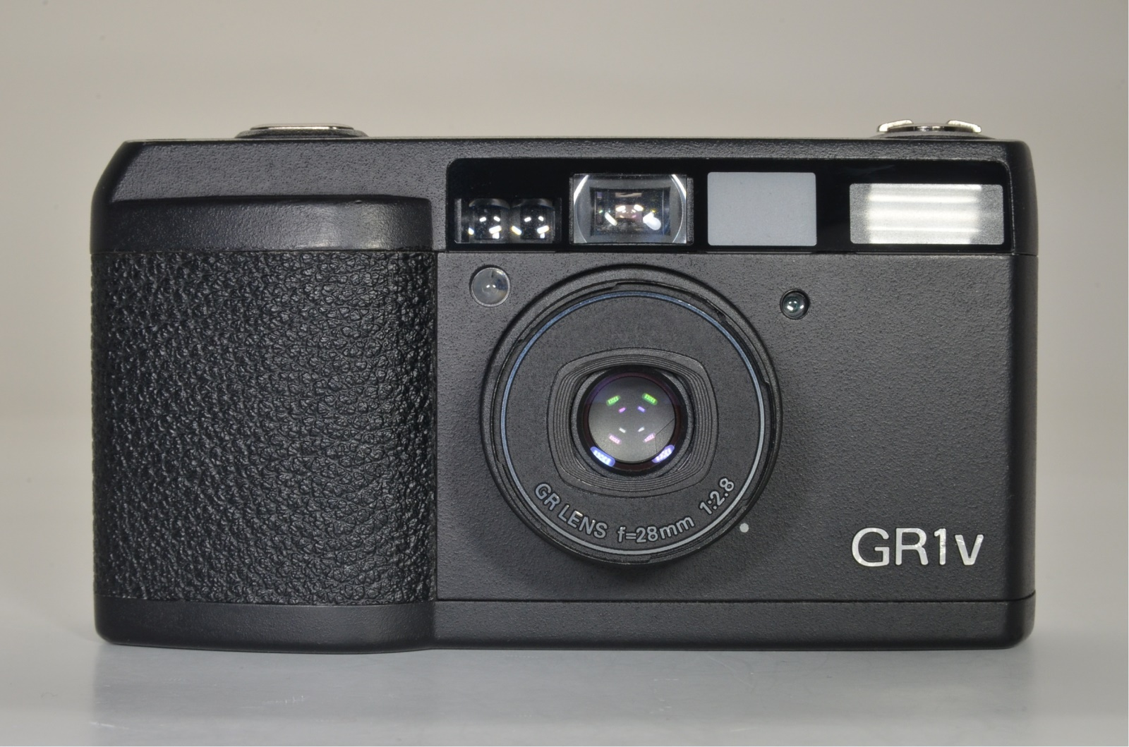 ricoh gr1v black 28mm f2.8 point & shoot film camera shooting tested