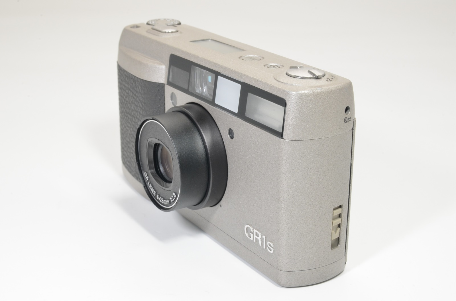 ricoh gr1s date silver 28mm f2.8 p&s film camera from japan shooting tested