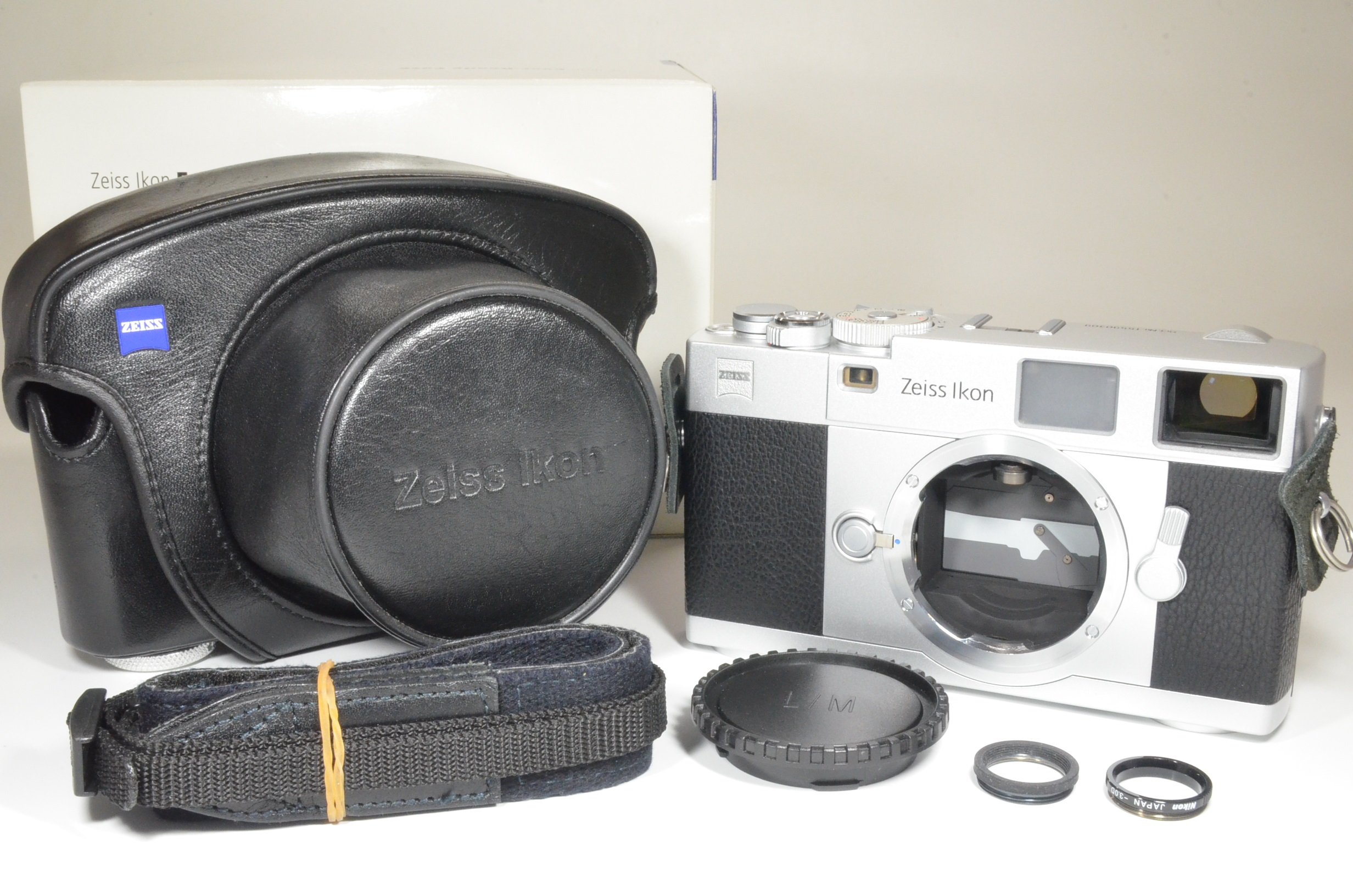 zeiss ikon zm m-mount rangefinder 35mm film camera silver  shooting tested