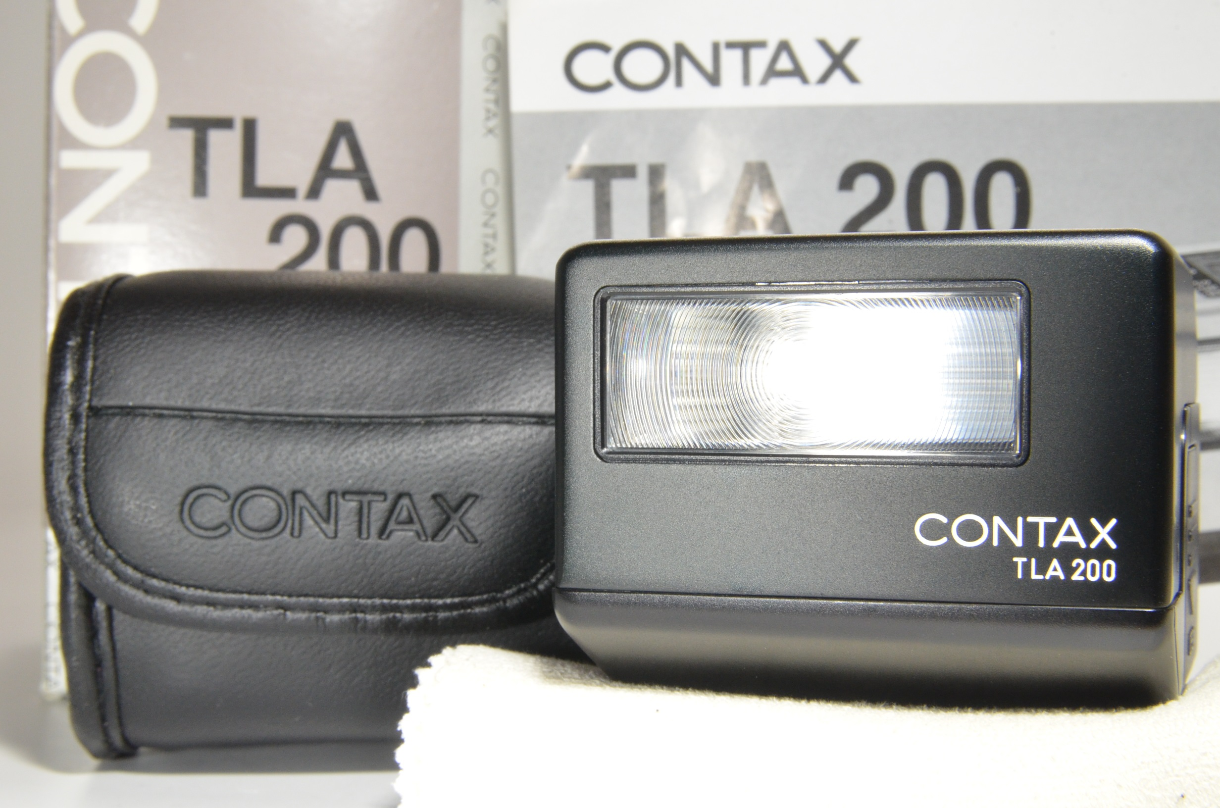 contax flash tla200 black in boxed for g1, g2