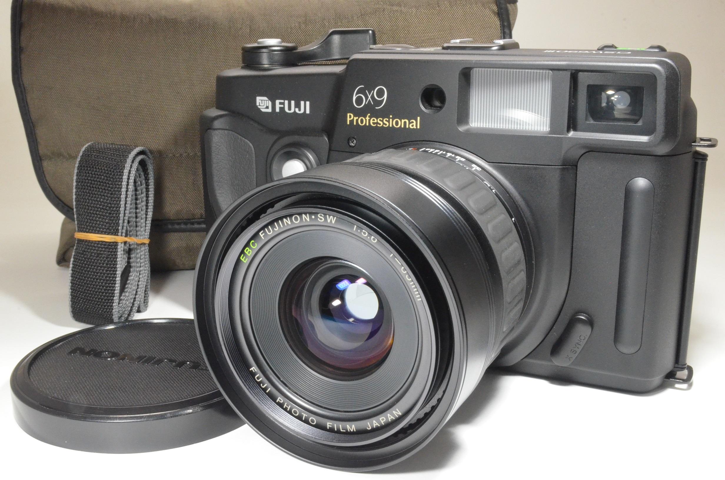 fuji fujifilm gsw690iii 65mm f5.6 count only '013' medium format film camera