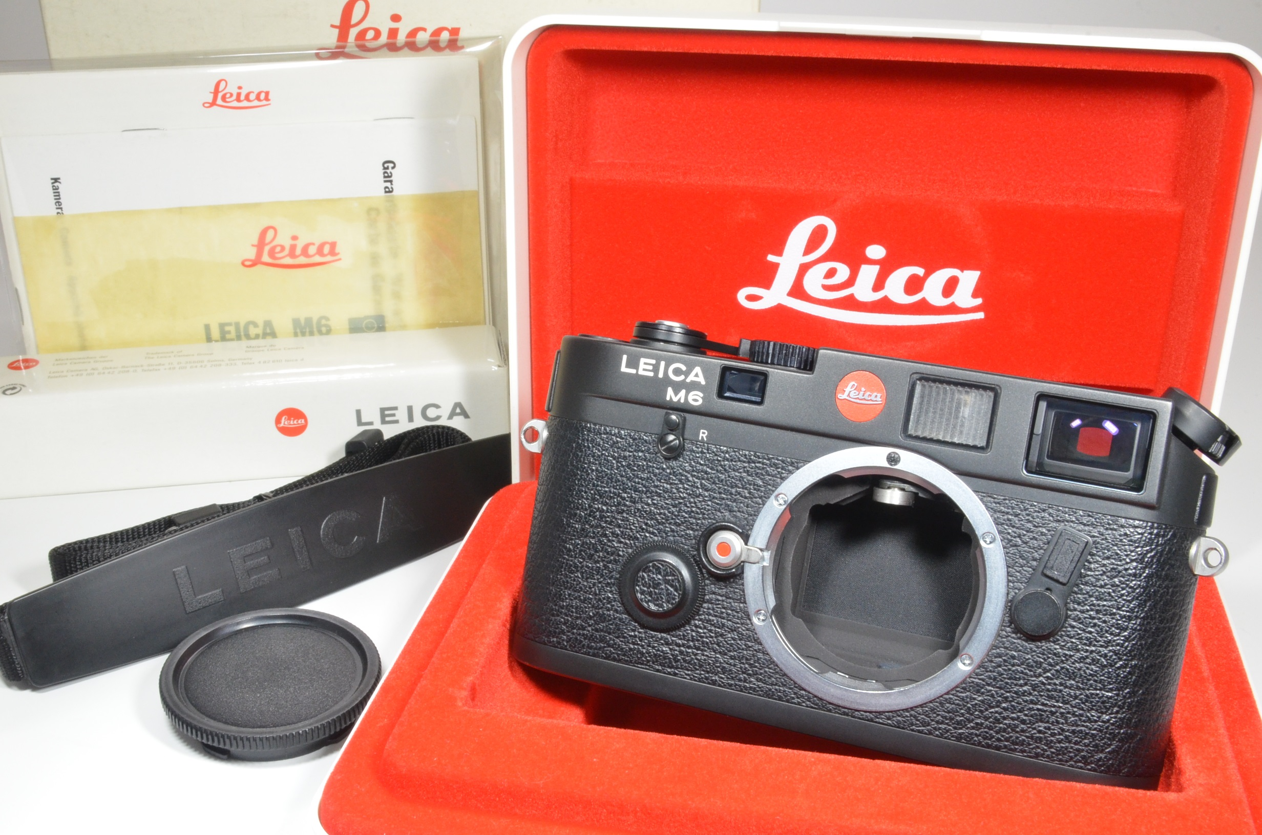 leica m6 0.72 black rangefinder in boxed serial no.1917971 year 1992