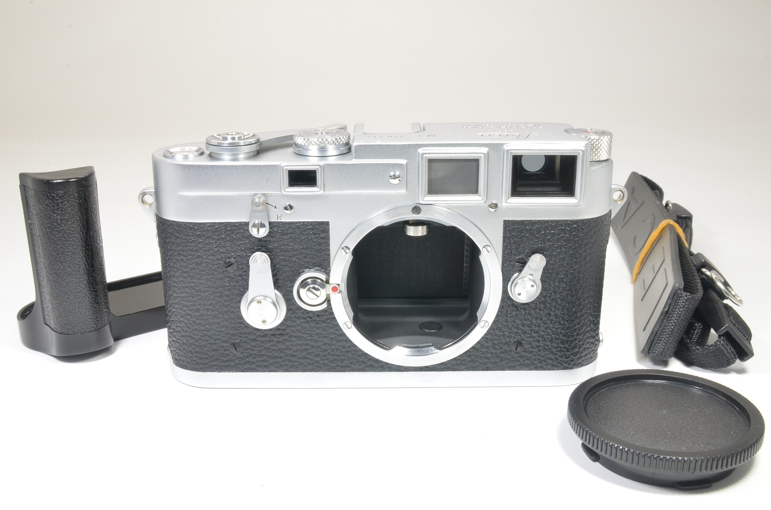 leica m3 double stroke s/n 780714 year 1955 with hand grip shooting tested
