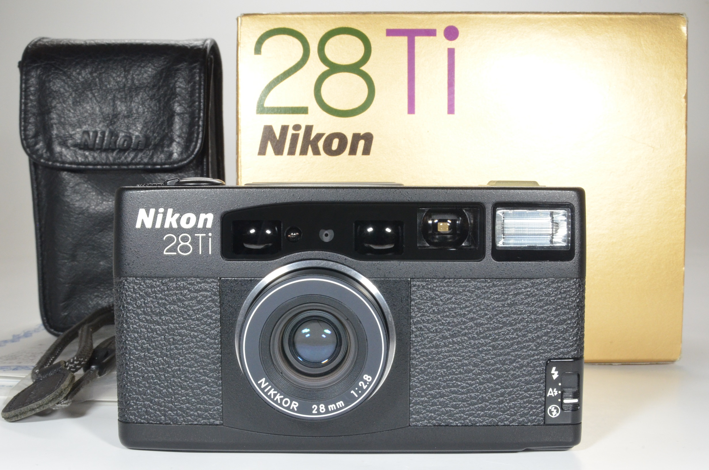 nikon 28ti in boxed point & shoot 35mm film camera 28mm f2.8
