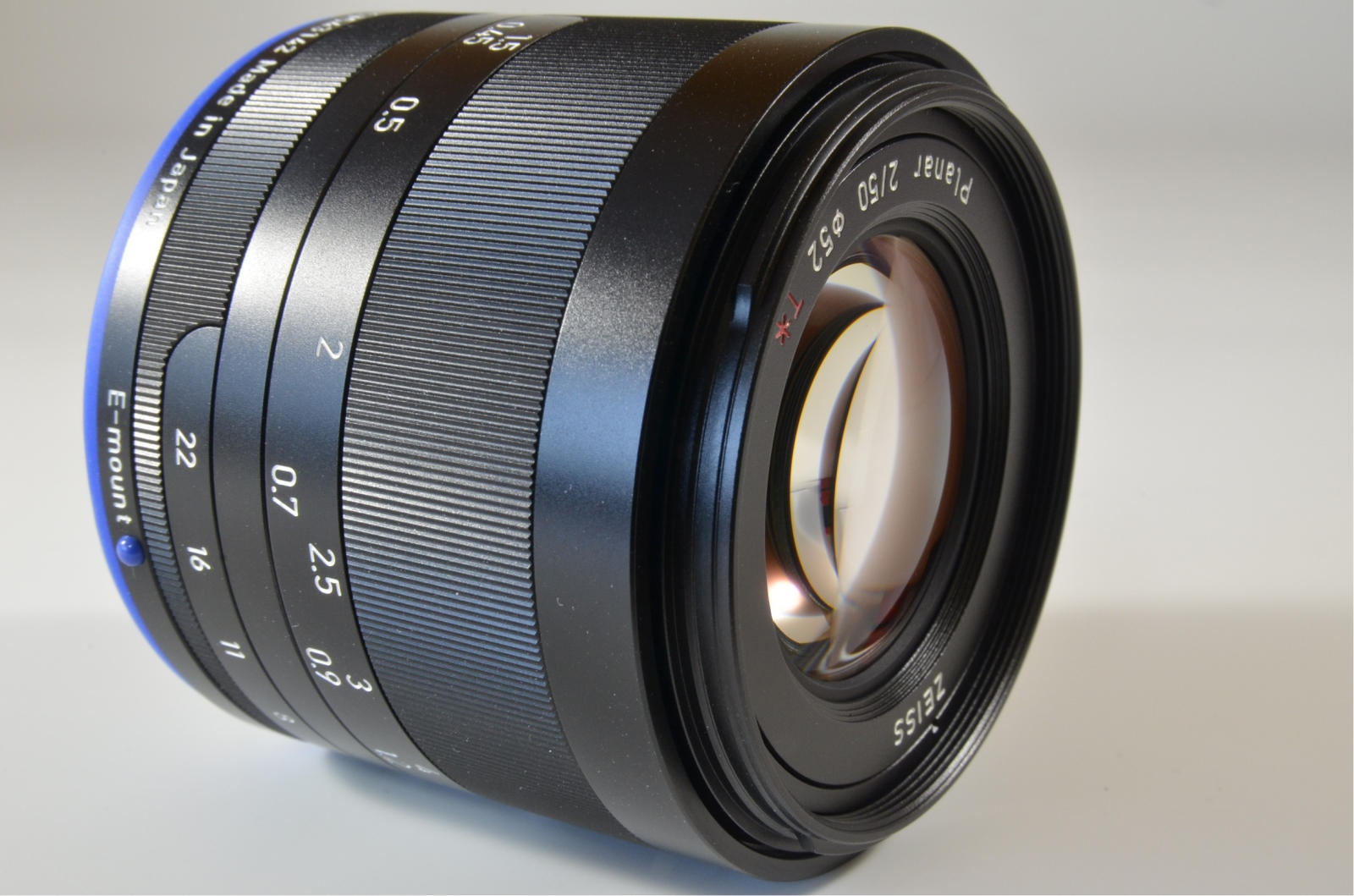 carl zeiss loxia 50mm f/2 planar t* lens sony e mount
