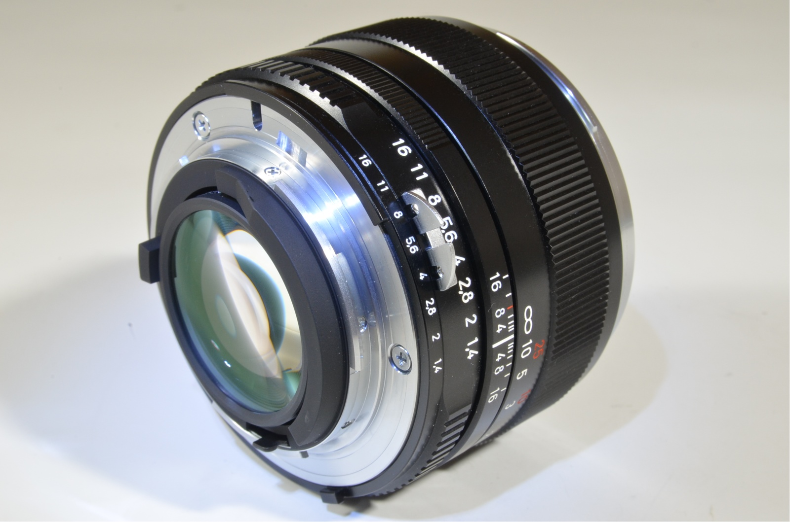 carl zeiss planar t* 50mm f1.4 zf for nikon ai-s ais