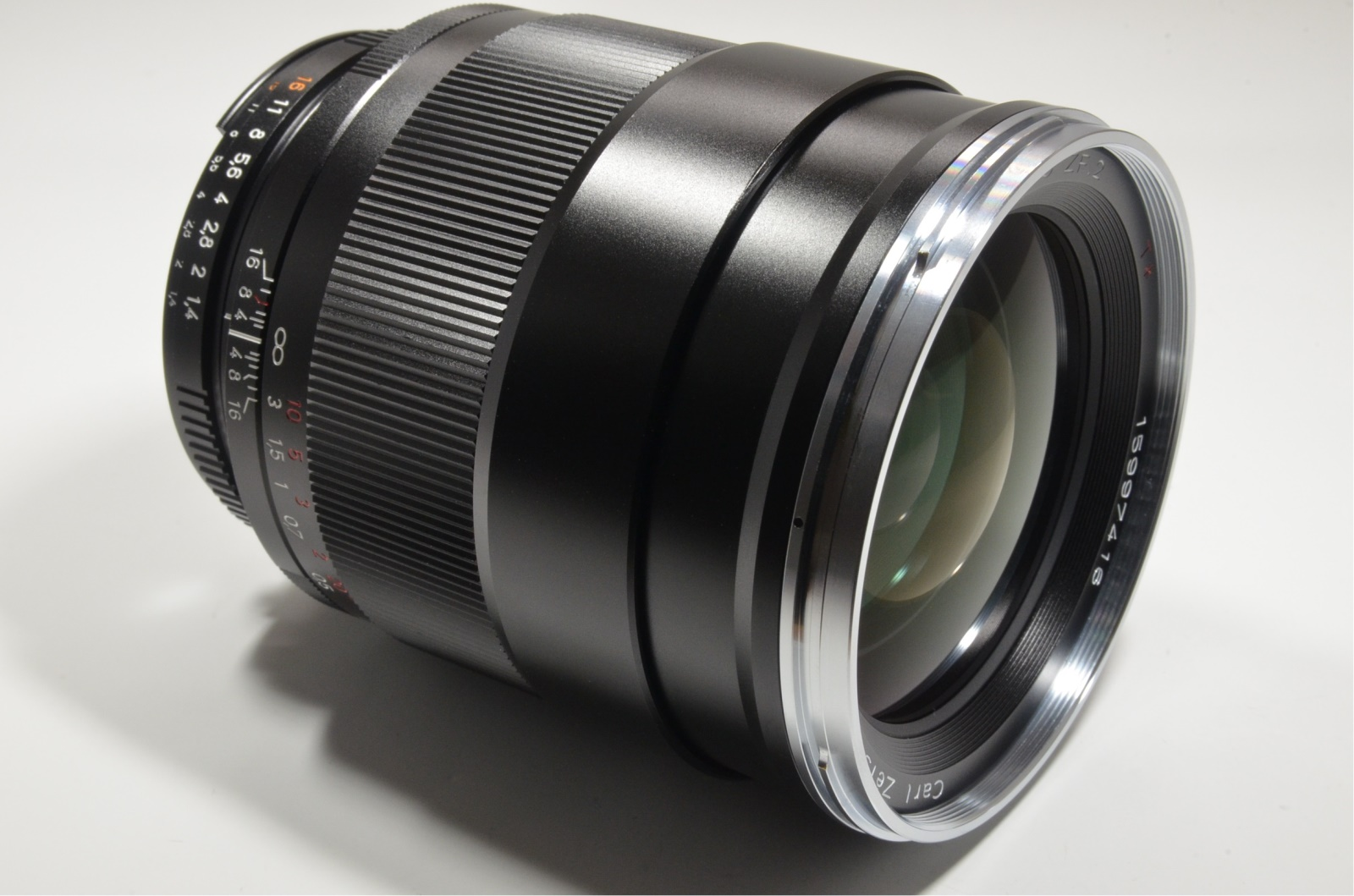 carl zeiss distagon t* 35mm f1.4 zf.2 for nikon with lens filter