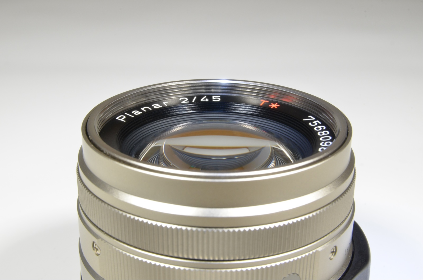 contax carl zeiss planar t* 45mm f2