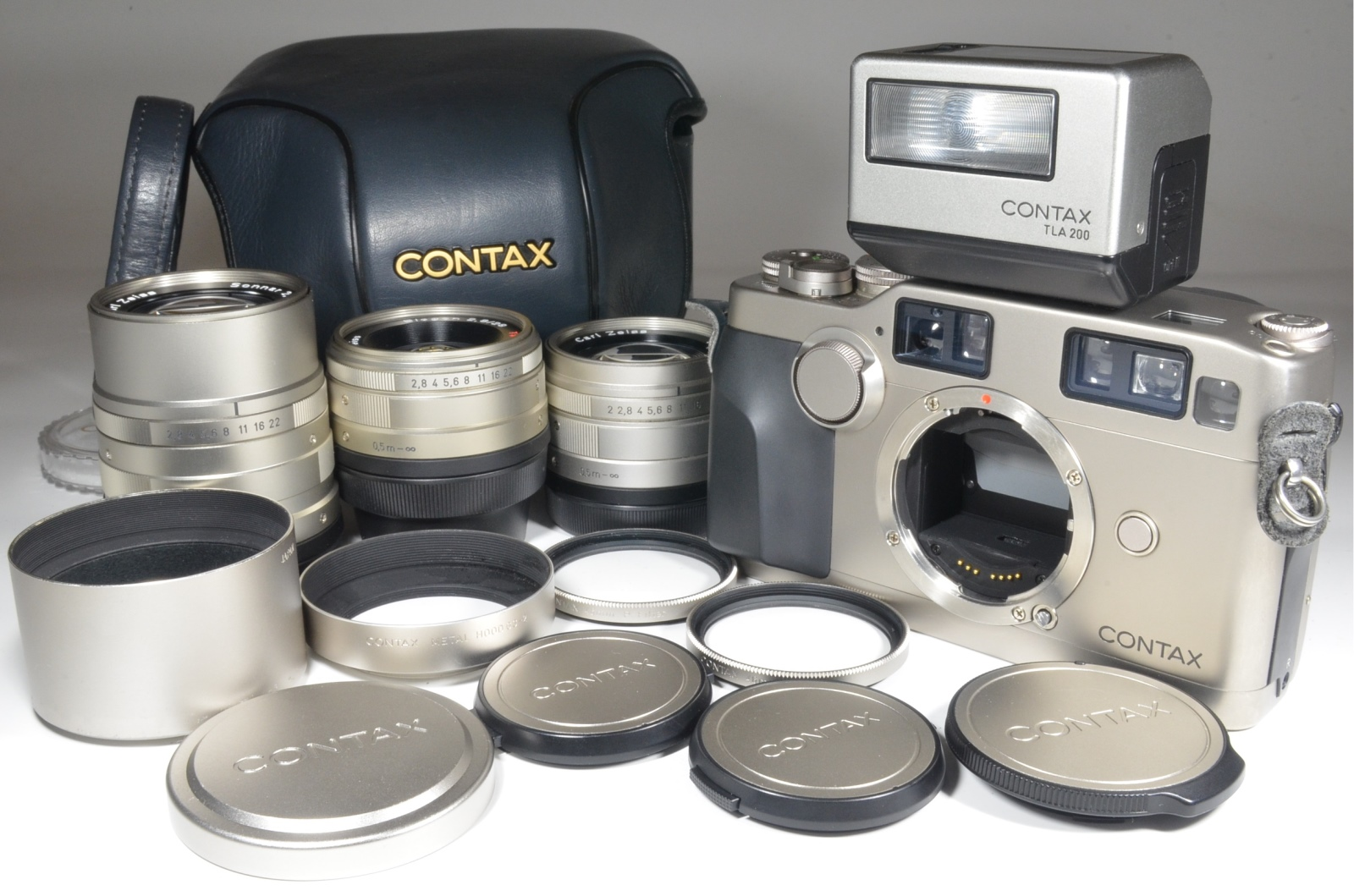 contax g2, full case, planar 45mm f2, biogon 28mm f2.8, sonnar 90mm f2.8, tla200