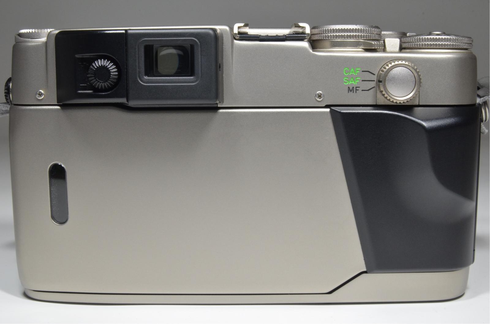 contax g2 in boxed, planar 45mm f2, biogon 28mm f2.8, sonnar 90mm f2.8, tla200