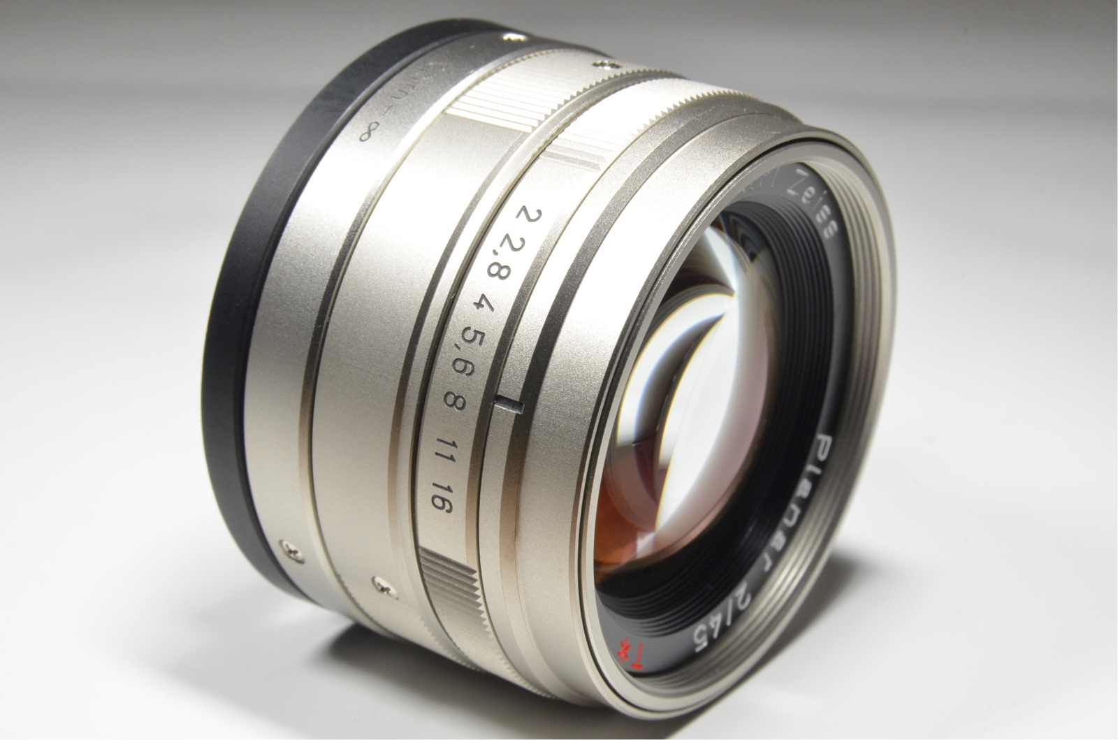 contax g2 with full case, planar 45mm f2, biogon 28mm f2.8, sonnar 90mm f2.8, tla200