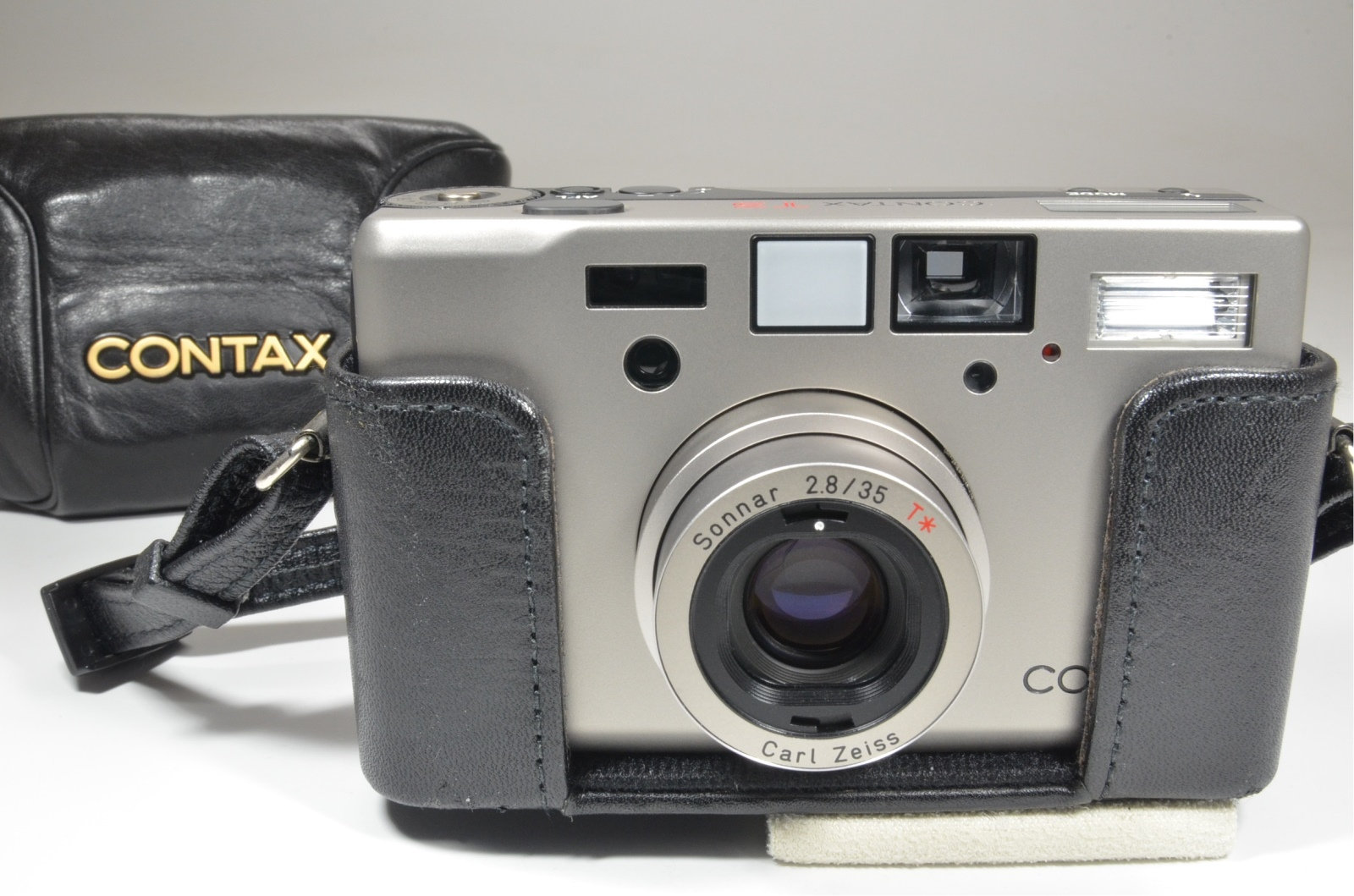 contax t3 point & shoot 35mm film camera with full leather case
