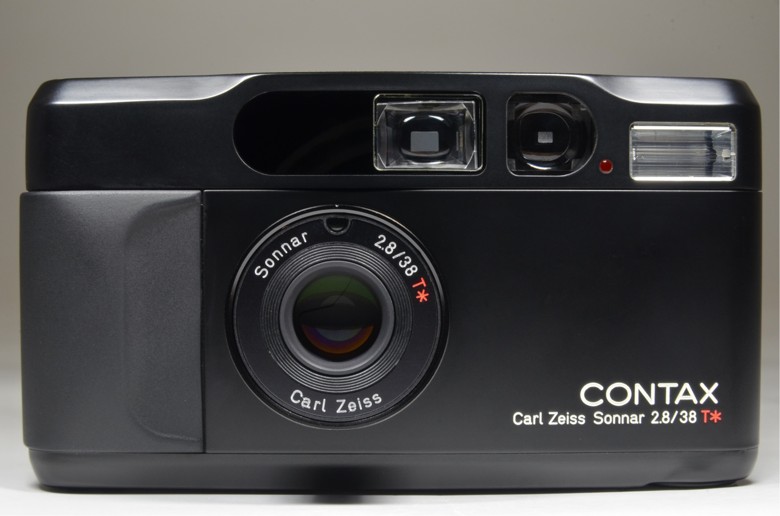 contax t2 black limited film camera boxed w/ full leather case