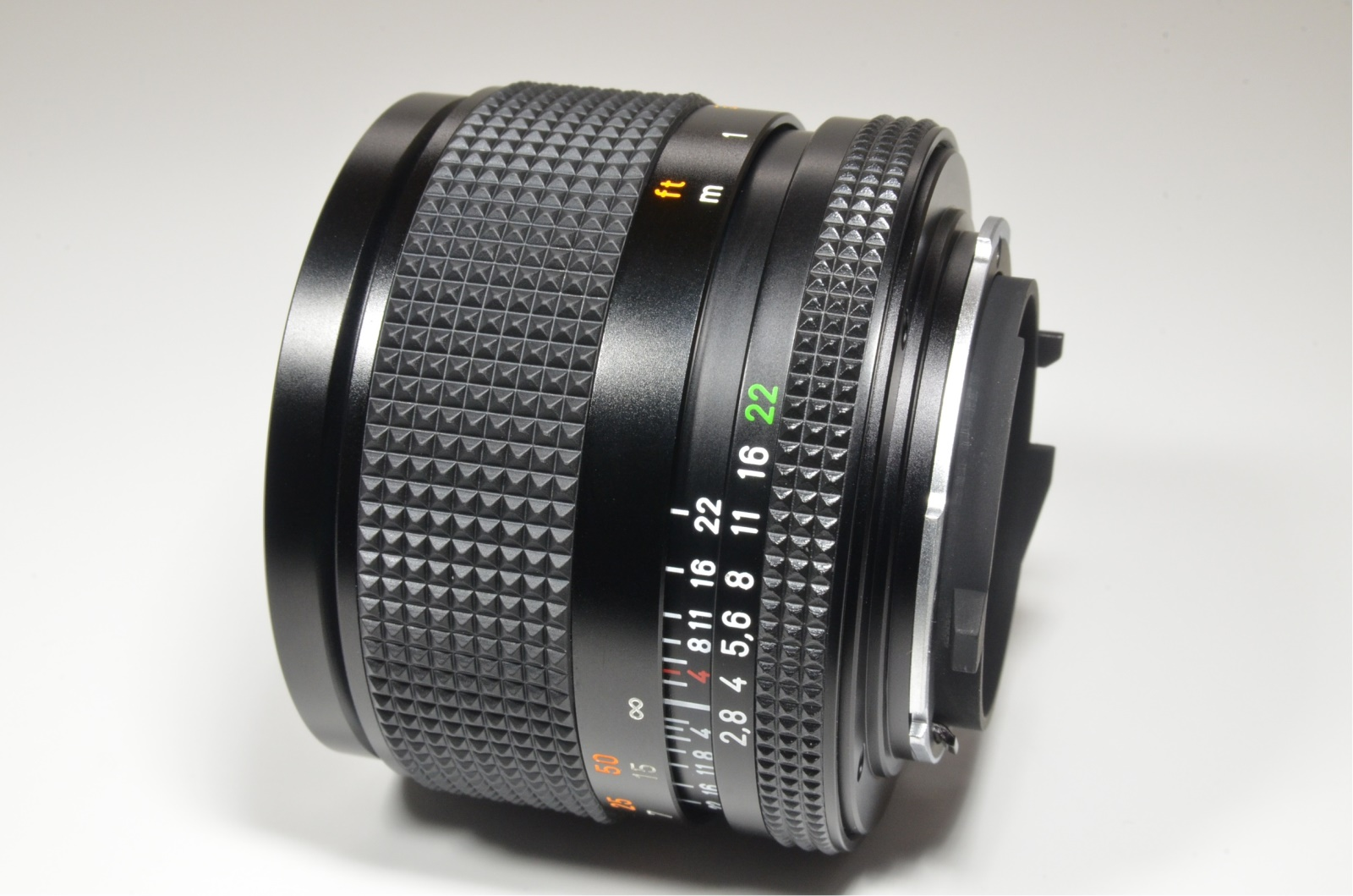 contax carl zeiss sonnar t* 85mm f2.8 mmg germany with metal hood 4