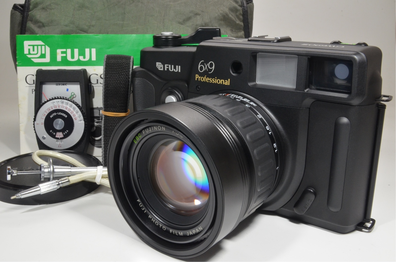 fuji fujifilm gw690iii 90mm f3.5 count only '015' with exposure meter