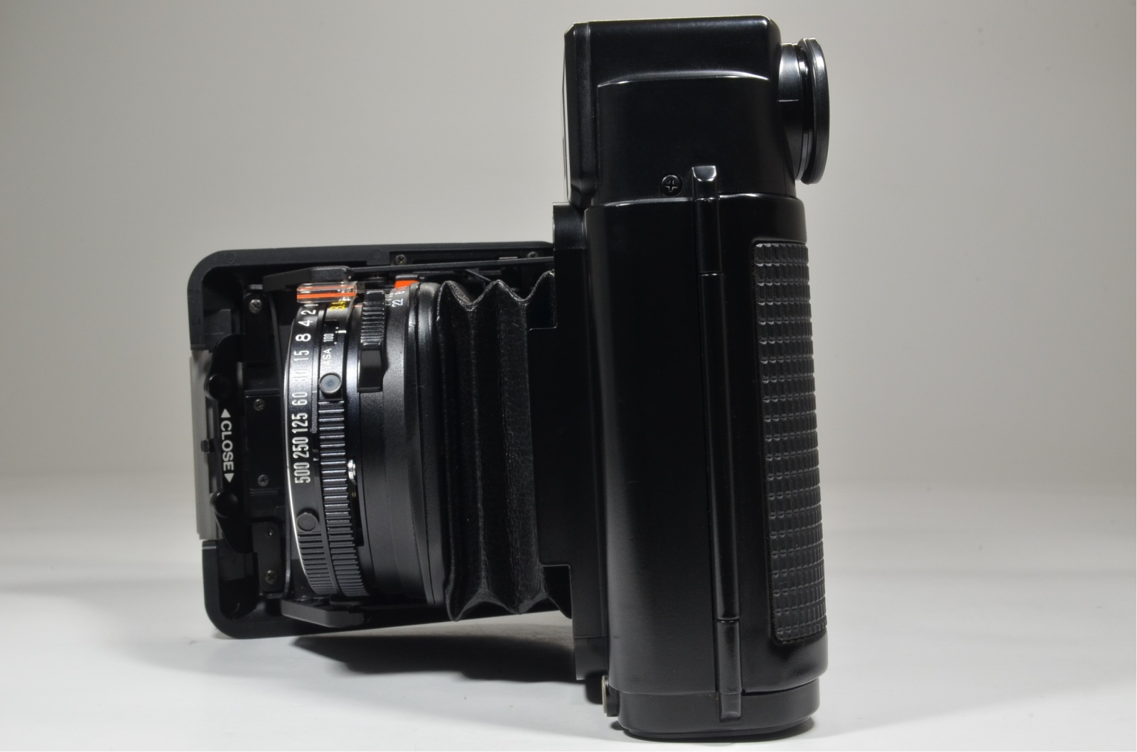 fujifilm fujica gs645 w/ hood and nikon dr-3 right angle finder