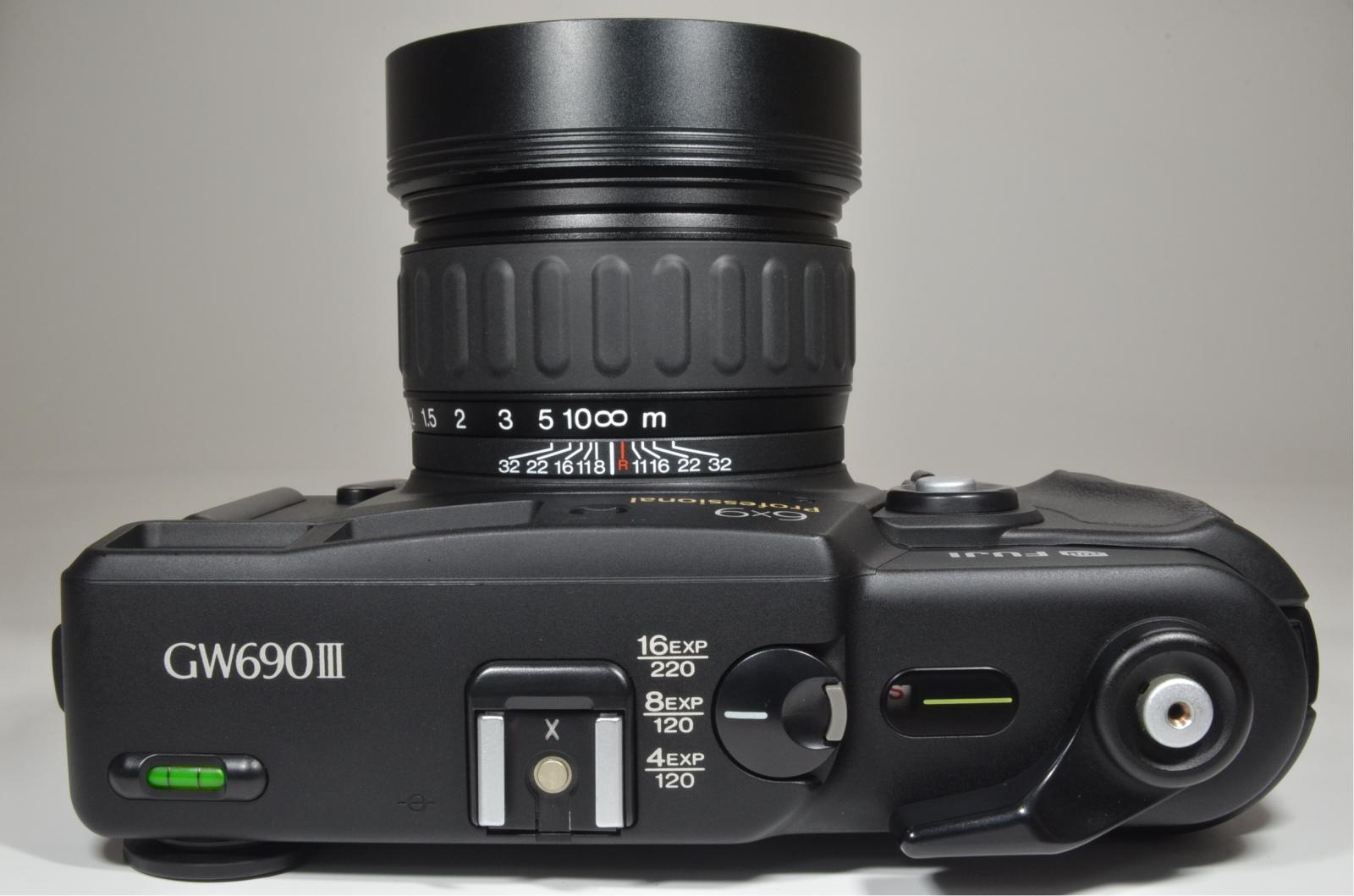 fuji fujifilm gw690iii 90mm f3.5 medium format count '232' excellent++
