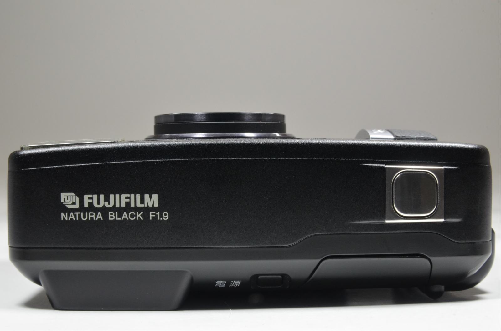 fujifilm nature black 24mm f1.9 35mmm film camera from japan
