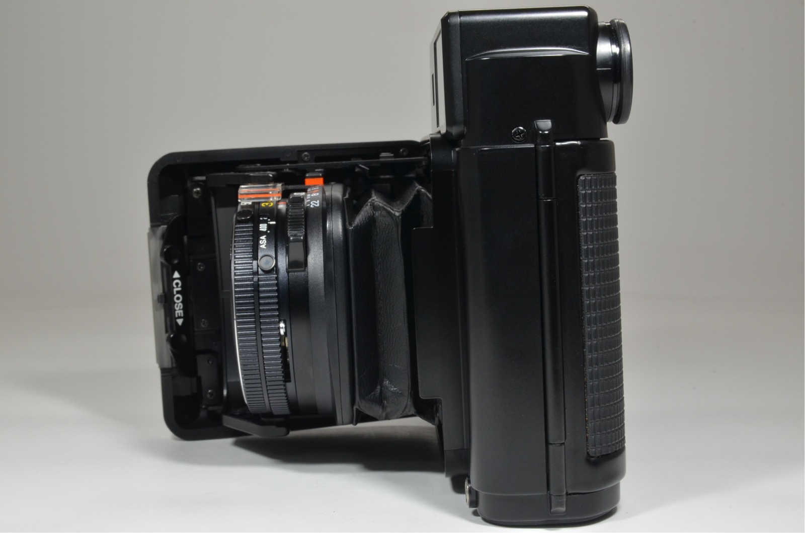 fujifilm fujica gs645 medium format film camera 75mm f3.4