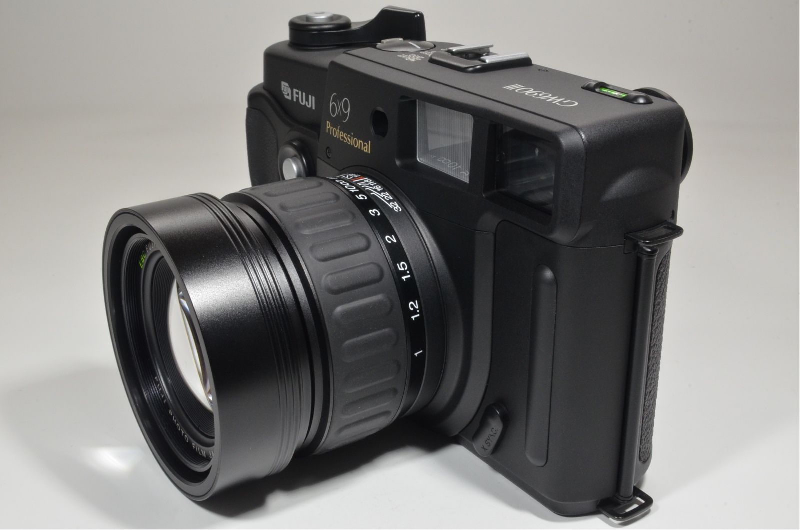 fuji fujifilm gw690iii 90mm f3.5 medium format count only '061'