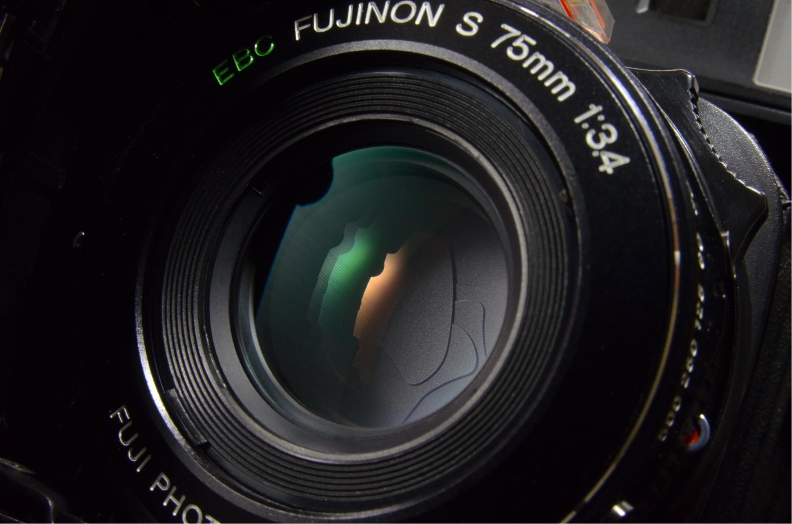 fujifilm fujica gs645 film camera 75mm f3.4 with lens hood from japan