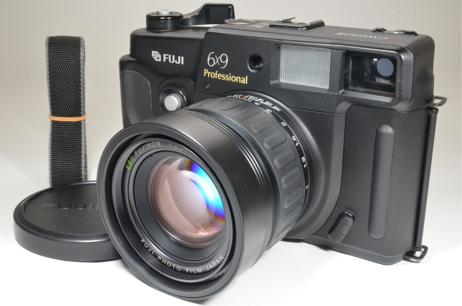 fuji fujifilm gw690iii 90mm f3.5 medium format film camera