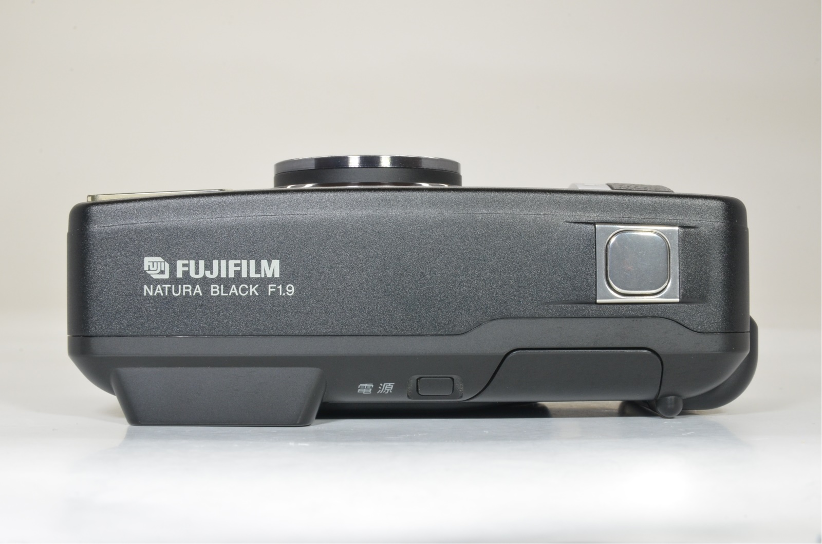 fujifilm natura black 35mm film camera fujinon 24mm f1.9 shooting tested