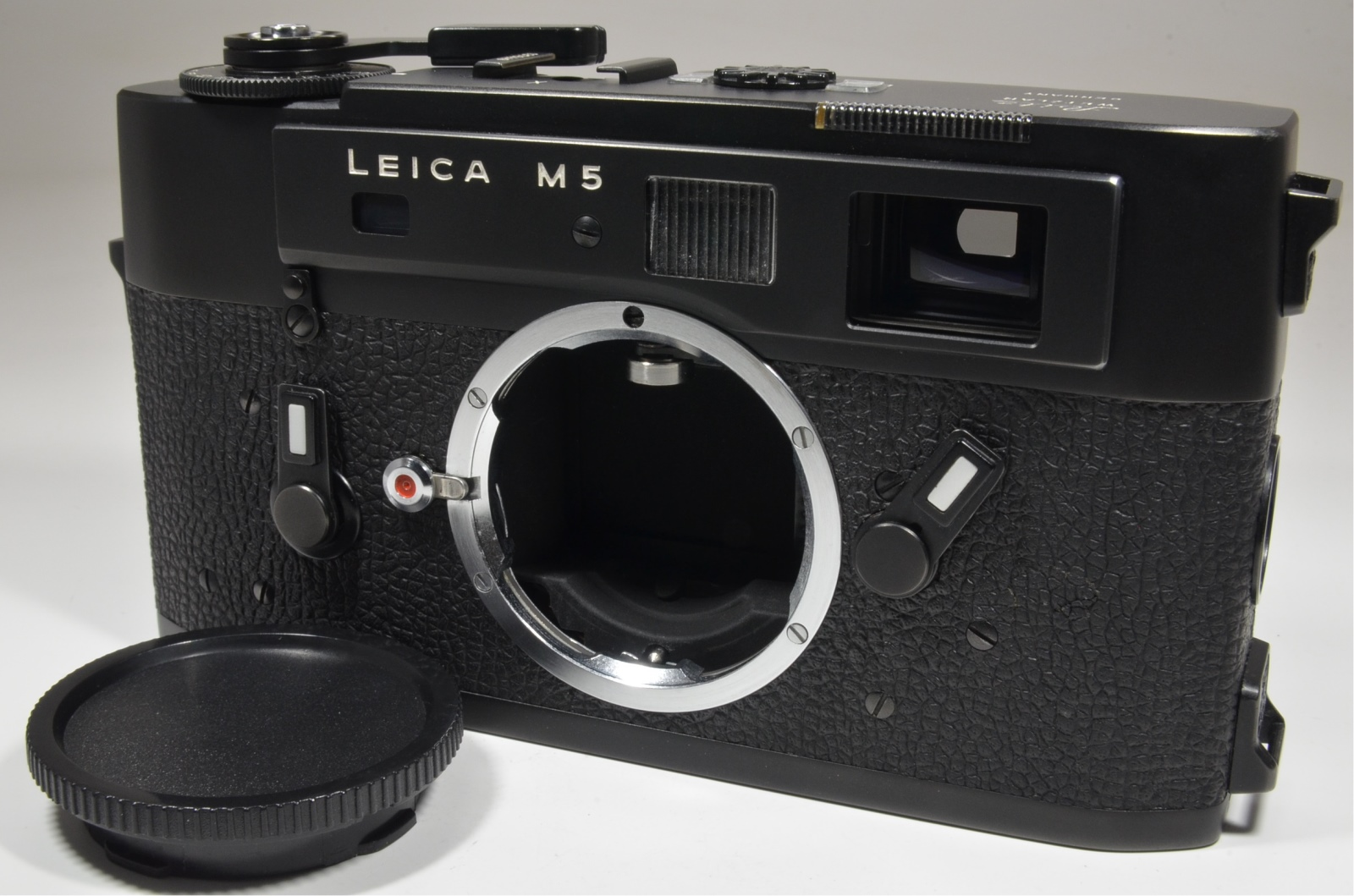 leica m5 black 3 lug year 1973 s/n 1376449 rangefinder camera