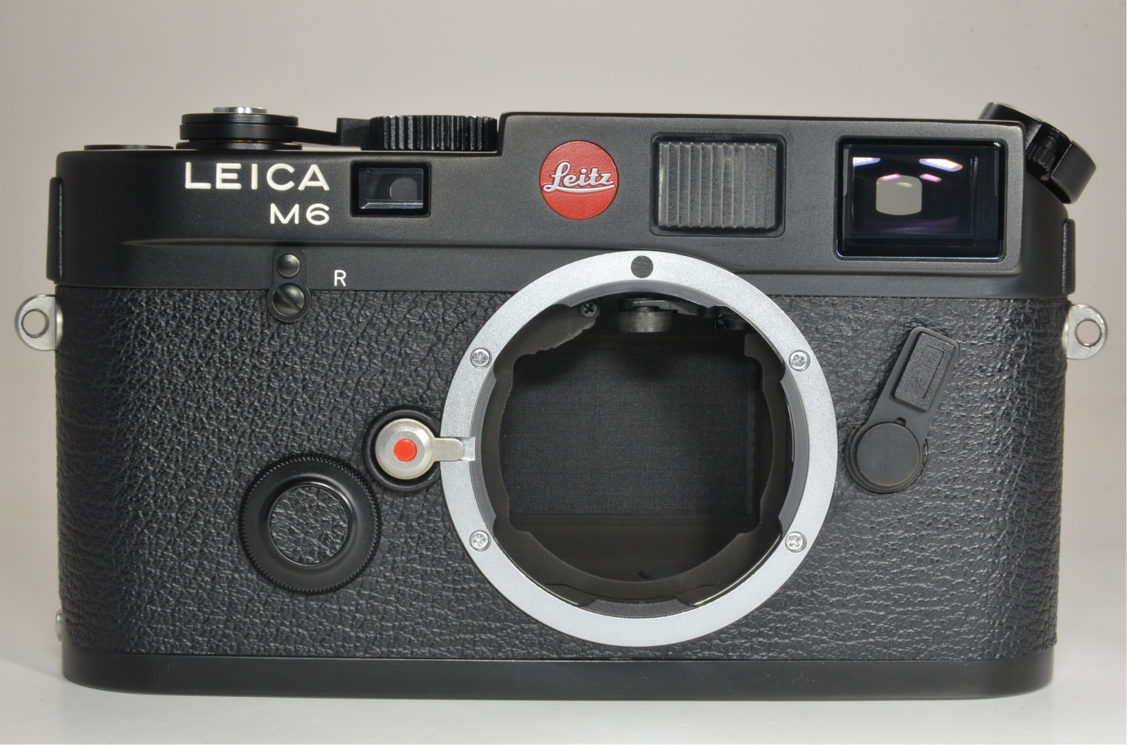 leica m6 0.72 black rangefinder in boxed serial no.1709679 year 1986