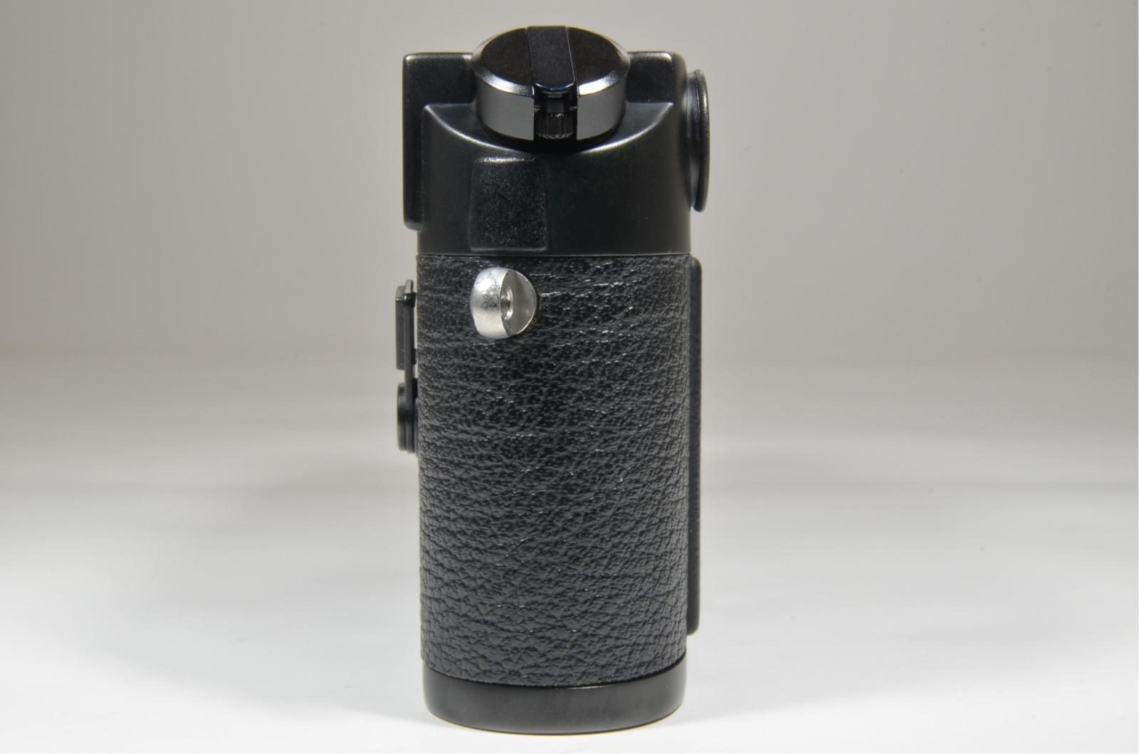 leica m6 0.72 black rangefinder serial no.1785965 year 1990 with case