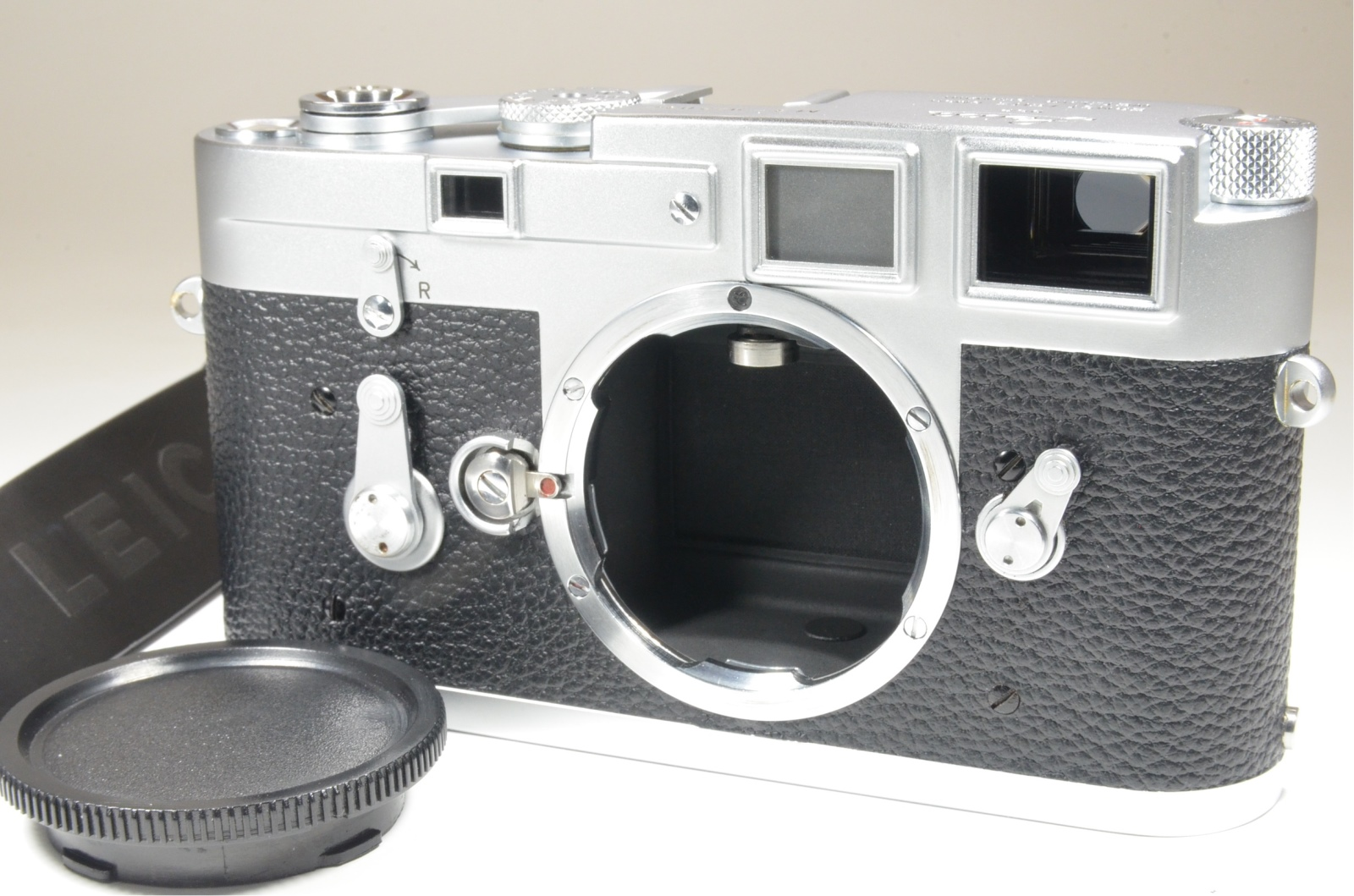 leica m3 single stroke s/n 972034 year 1959 with strap from japan