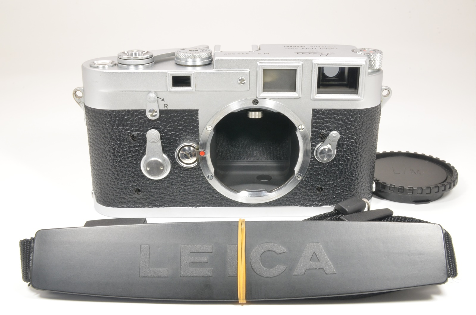 leica m3 double stroke s/n 830567 year 1956 with strap shooting tested