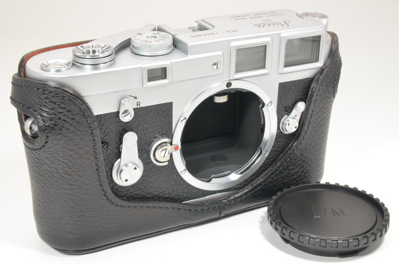 leica m3 single stroke s/n 1034875 year 1961 with leather case, shooting tested