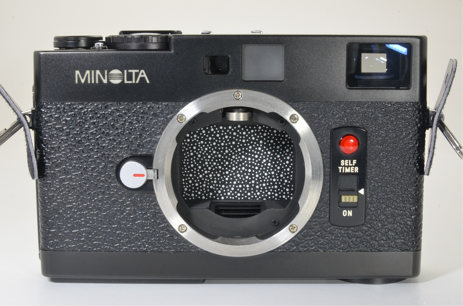 minolta cle film camera with m-rokkor 28mm, 90mm and grip shooting tested