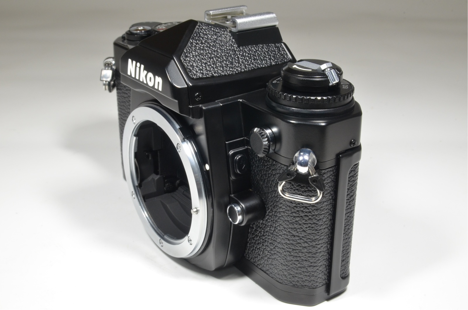 nikon fm3a 35mm film camera black with cf-27