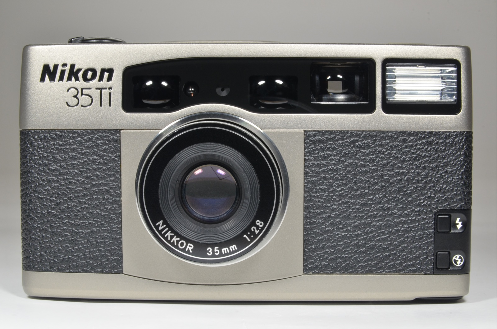 nikon 35ti point & shoot 35mm film camera 35mm f2.8 'brand-new' very rare!