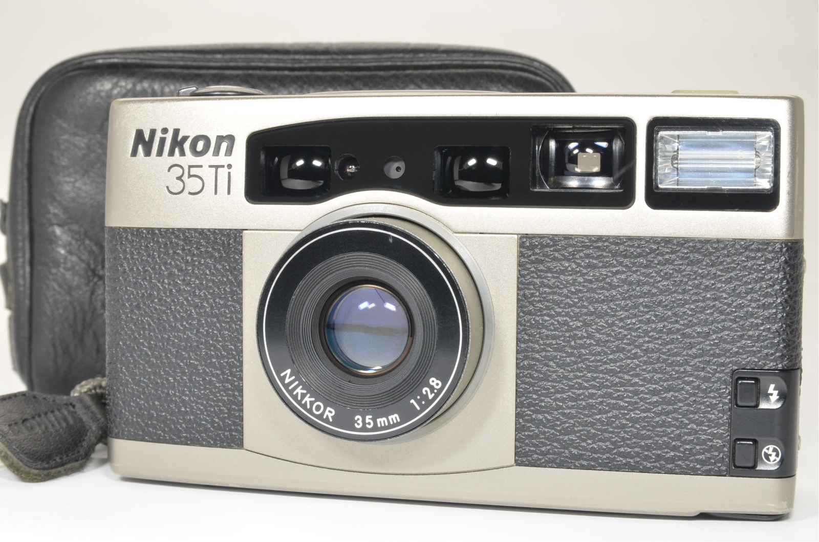 nikon 35ti p&s film camera lens 35mm f2.8 from japan shooting tested