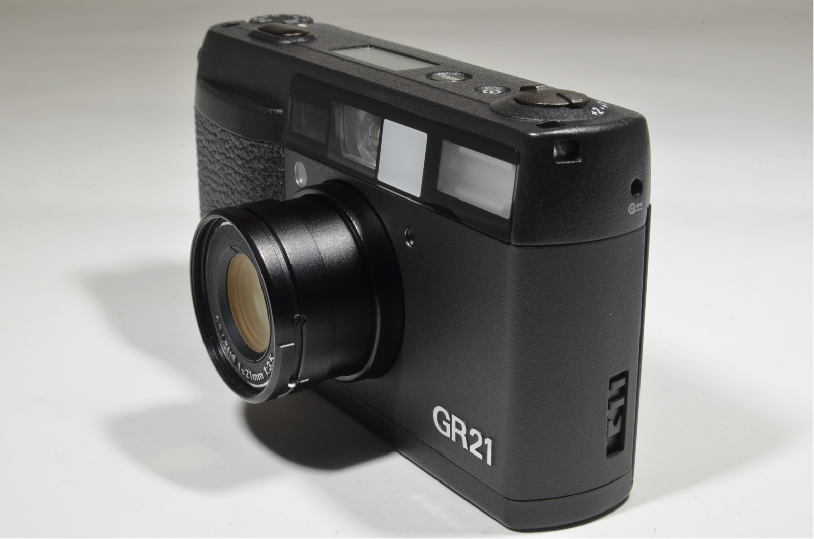 ricoh gr21 35mm point & shoot film camera