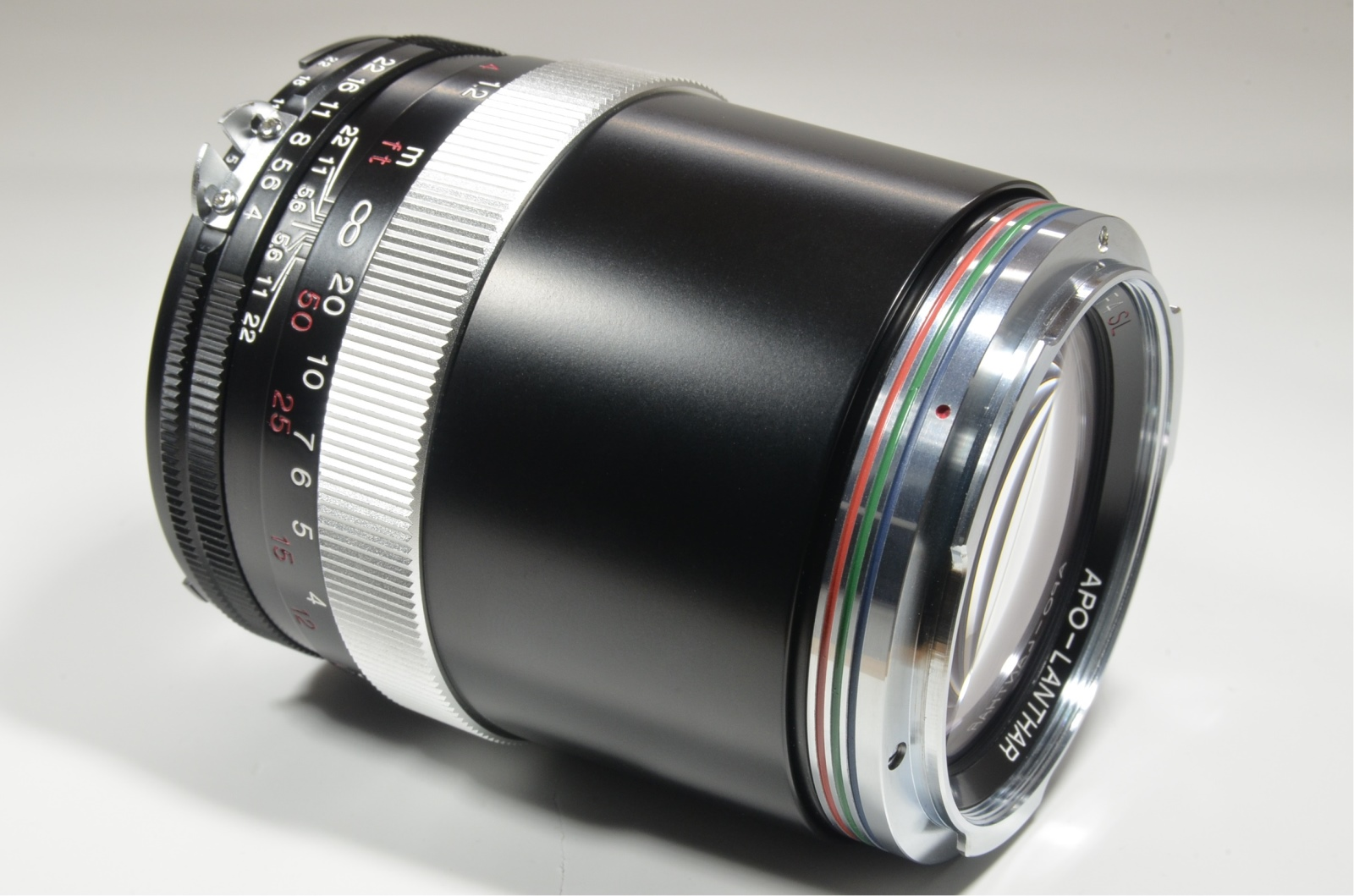 voigtlander apo-lanthar 180mm f/4 sl for ai-s nikon with hood